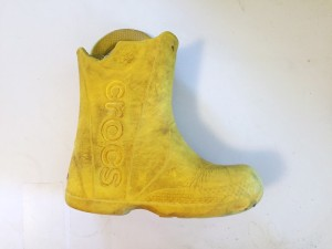 Crocs Kids Handle It rain boot in yellow with missing handle