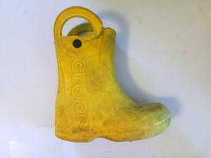 Crocs Kids Can Handle It yellow rain boot with torn handle