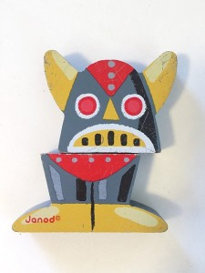 Janod Chunky wooden magnet robot in gray assembled without torso