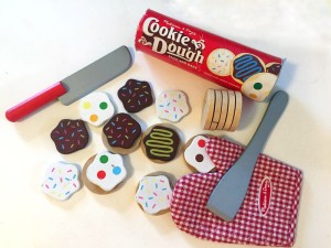 Melissa and Doug slice and bake wooden cookie set knife over mitt canister