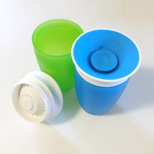 Munchkin 360 degree sippy cups in blue and green