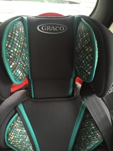 Adjustable head rest on Graco TurboBooster car seat