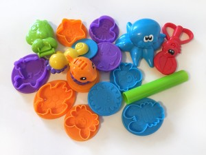 Play Doh undersea creations octopus fish mold roller lobster crab scissors sea shapes