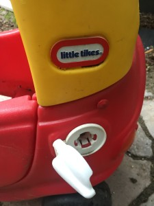 open gas tank on Little tikes cozy coupe