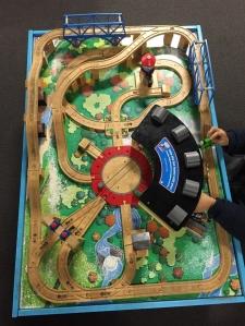 Train table layout thomas trains