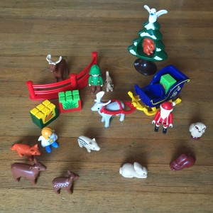 Playmobil 123 Advent calendar 2016 pieces set up