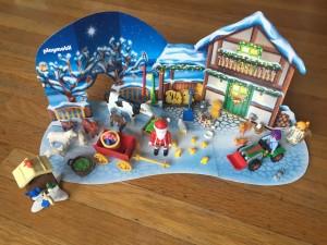 Christmas on the Farm Playmobil Advent calendar set 2017