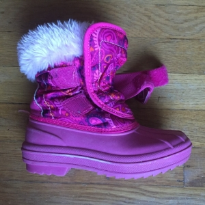 Velcro closure on kids pink snow boots Champion Thermolite