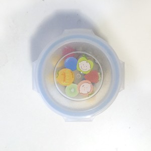Innobaby snack food baby container sealed with marbles inside