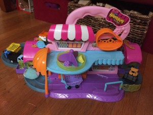Hamsters in the House Zuru kids Super Market Doll House set with two houses attached and lots of cars and hamsters on the track