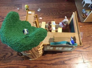 Calico Critters Sylvanians Country Tree Schoolhouse