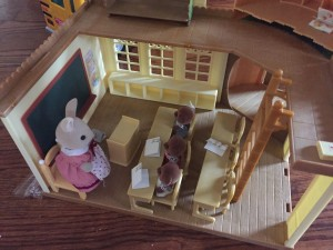 Calico Critter Sylvanian Country Tree School with rabbit reacher and three bear students at desks