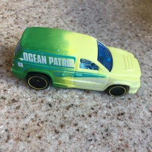 Hot Wheels Color Shifters green and yellow Beach Patrol car toy