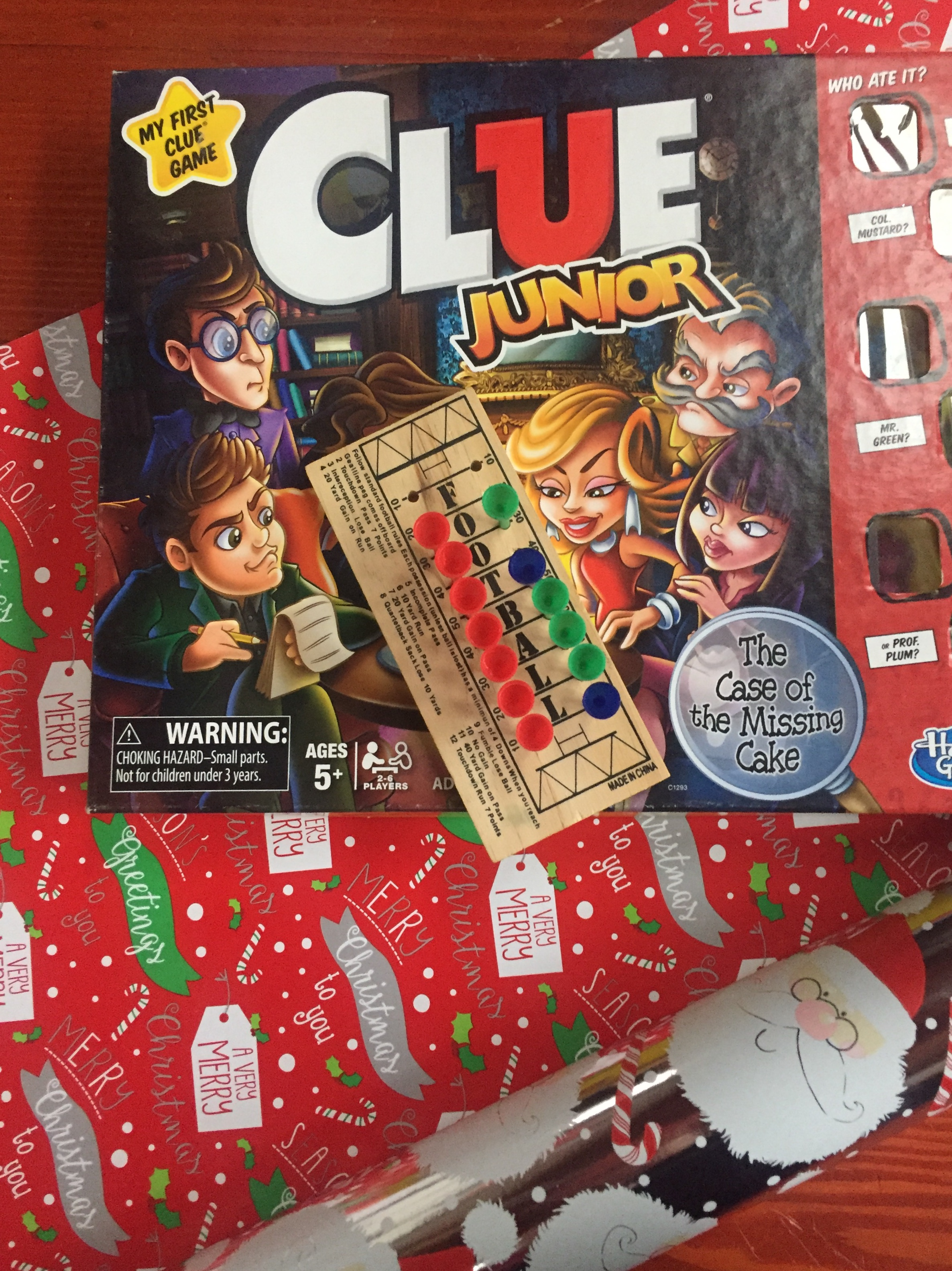Clue Junior football peg game and reversible wrapping paper