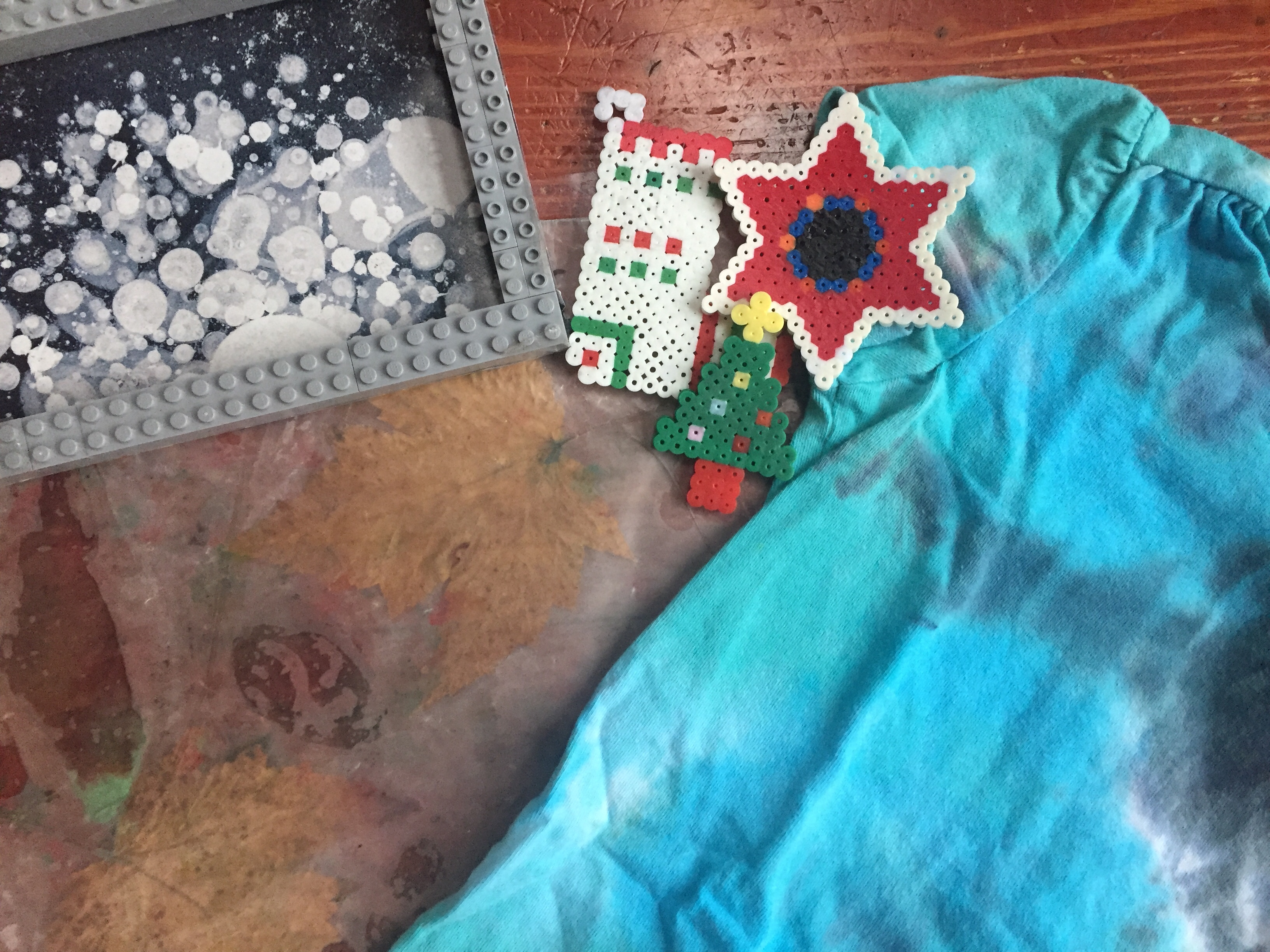 Homemade gifts projects for kids Lego photo frame melty bead ornaments