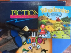 Family games fun for all ages Pictionary Kingdomino Set Junior