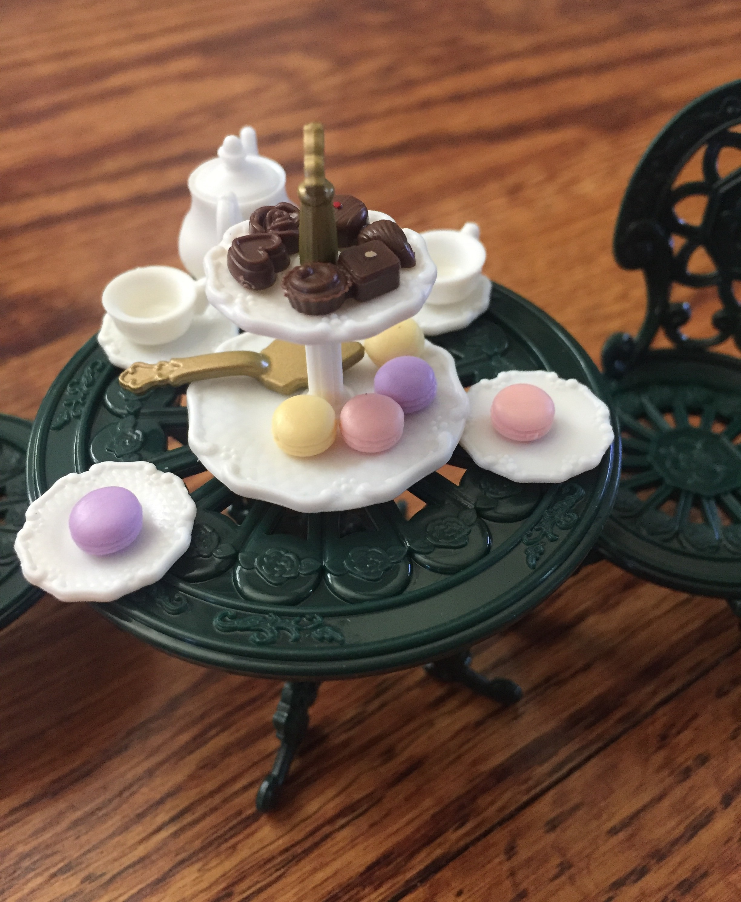Calico Critters Town Tea and Treats tea party accessory set